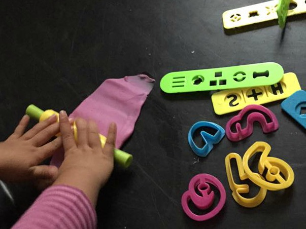 Making arabic letters with desi doll fun dough