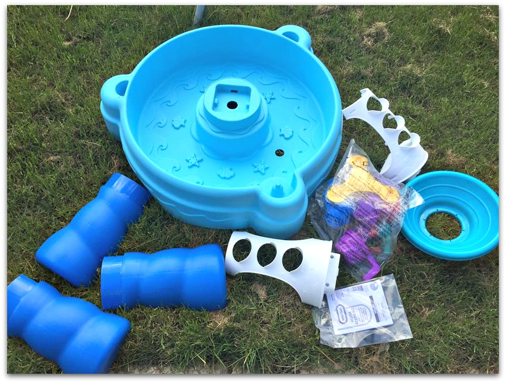 Putting together the Little tikes water table
