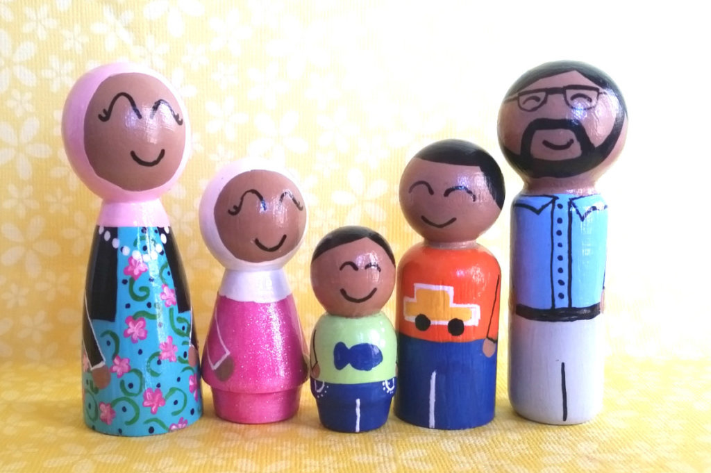 fam4bright - Little Muslim Dolls
