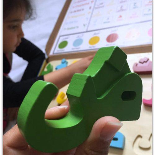Thinkernation sturdy arabic alphabet puzzle