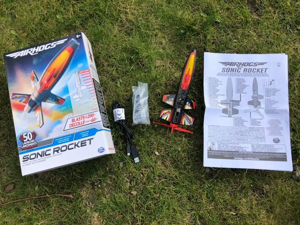Air Hogs sonic rocket contents