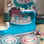 Getting ready to make bracelets with Kumi Kreator