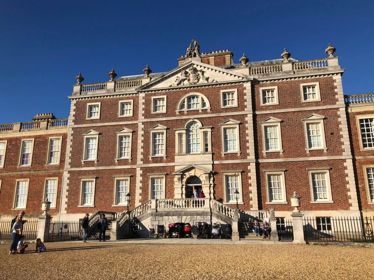 Picture of front of Wimpole Hall