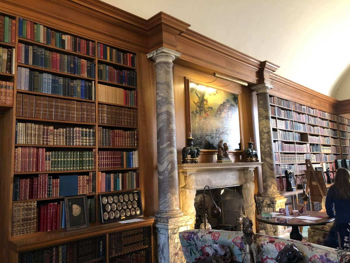 Pictures of books in Lord Fairhavens library
