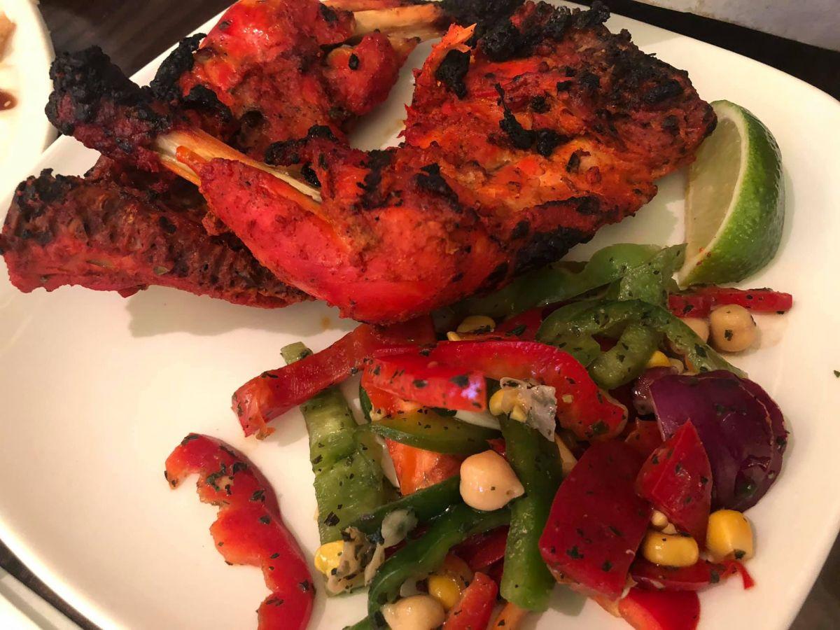 2 tandoori Chicken legs with salad